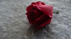 How to make beautiful and easy paper rose flower. How to make beautiful and easy paper rose flower. You can now learn to make a very realistic rose for any occasion, it can be valentines day, mothers day, for wedding arrangement Flower Diy, Diy Flowers, Paper Craft Supplies, Paper Crafts, Realistic Rose, Rose Bush, Wedding Arrangements, Flower Gardening, Paper Roses