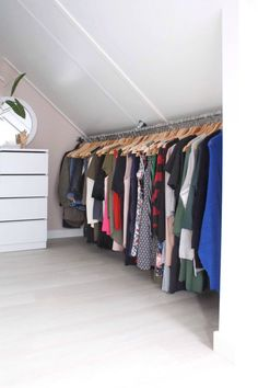 clothes rack from scaffolding tube in the coupling pots in the bedroom . - crea -DIY clothes rack from scaffolding tube in the coupling pots in the bedroom . - crea - Wonderful Attic Closet Organizers for Your Inspiration Attic Closet, Closet Bedroom, Bedroom Apartment, Bedroom Decor, Bedroom Ideas, Diy Walk In Closet, Dormer Bedroom, Attic Bedroom Storage, Bedroom Ceiling
