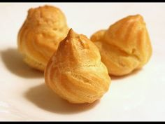 Pasta choux o bignè Sweet Recipes, Snack Recipes, Cooking Recipes, Italian Desserts, Just Desserts, Buffet, Pastry And Bakery, Eclairs, Sweet Cakes
