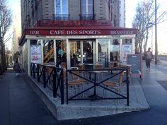 Cafés des sports, boulevard Davout, Paris (20e). Janvier 2014.