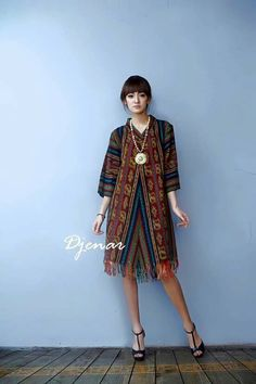 Tenun Kebaya Lace, Batik Kebaya, Blouse Batik, Batik Dress, Muslim Fashion, Ethnic Fashion, Womens Fashion, Mode Batik, Filipino Fashion