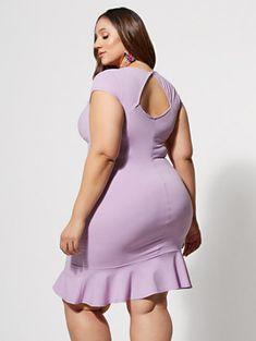 Curvy Women Fashion, Plus Size Fashion, Plus Size Mini Skirts, Belle Nana, Plus Sise, Curvy Girl Lingerie, Modelos Plus Size, Fashion To Figure, Voluptuous Women