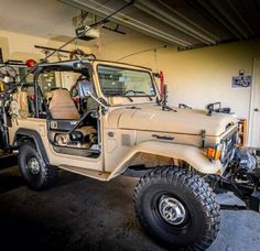 FJ40 which shouldn't be in the garage!