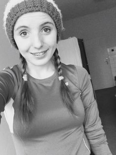 I think this braided hairstyle is lovely ❤️ I feel like I am 7 years old ❤️ anyway... Love it ❤️  #hairstyle#braidedhair#winterhairstyle