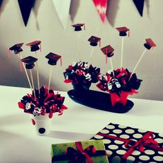 Hats  #graduation #centerpiece                                                                                                                                                                                 Más