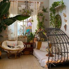 Interior Inspiration, Room Inspiration, Bohemian Chic Decor, Bohemian Decorating, Floor Sitting, First Apartment Decorating, Colourful Living Room, Luxurious Bedrooms, Living Room Decor