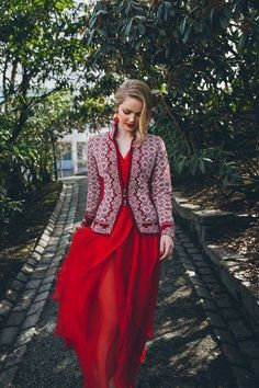 Explore the largest online selection of Dale of Norway sweaters and cardigans and Oleana Sweaters! Nordic Sweater, Ugly Sweater, Fair Isle Knitting Patterns, Knitting Designs, Knit Fashion, Sweater Fashion, Scandinavian Fashion, Nordic Fashion, Norwegian Knitting