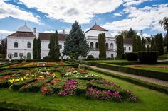 The Wessélenyi Castle in Jibou, the largest baroque ensemble in Romania's region of Transylvania, has been put up for sale by Artmark Historical Estate. Bucharest, Baroque, Places Ive Been, Castle, Mansions, House Styles, Travel, Terra, Home