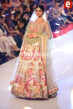 Nomi Ansari at PFDC Loreal Paris Bridal Week 2015