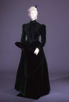 Visiting dress ca. 1890 From the Galleria del Costume di Palazzo Pitti via Europeana Fashion via Fripperies and Fobs