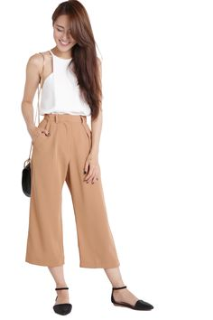 Made of textured polyester material. Front zip and hook bar closure. Wearable Art, Camel, Legs, Pants, Fashion, Trouser Pants, Moda, Fashion Styles, Camels
