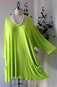 New Versatile Full Figure Plus size Tunic top Lagenlook for everyday fun and comfort. Pretty Outfits, Beautiful Outfits, Long Sleeve Tunic, Full Figured, Lace Tops, Fashion Outfits, Womens Fashion, Plus Size Outfits, Plus Size Fashion