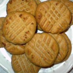 """Low carb desserts - 3 net Carbs per Peanut Butter Cookie c natural peanut butter (or your choice) 1 large egg c splenda (see: Substitute Stevia for Sugar Charts ) dash vanilla (optional)"""" """"No Carb Peanut Butter Cookies Recipe Low Carb Deserts, Low Carb Sweets, Healthy Sweets, Healthy Snacks, No Carb Recipes, Snack Recipes, Dessert Recipes, Dessert Ideas, Primal Recipes"""