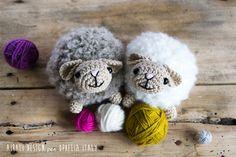 [Free Pattern] Super Fluffy And Soft Amigurumi Sheep - Knit And Crochet Daily Crochet Sheep, Crochet Amigurumi Free Patterns, Crochet Animals, Free Crochet, Knit Crochet, Crochet Cactus, Crocheted Toys, Boucle Yarn, Crochet Projects