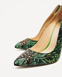 Image 5 of LEATHER HIGH HEEL SHOES WITH TROPICAL PRINT from Zara