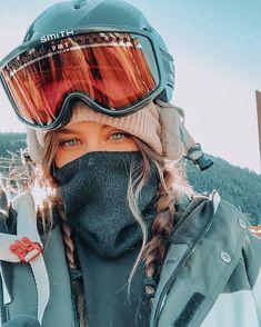 Ski Et Snowboard, Snowboard Girl, Ski Ski, Mode Au Ski, Snowboarding Style, Snowboarding Women, Ski Girl, Snow Outfit, Cruise Outfits