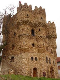 Castillo de La Cueva, Cebolleros, Burgos, Spain.  stones, style, details, shapes