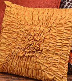 Sew pretty!  This shirred throw pillow can be made in just an hour or two! #creativitymadesimple