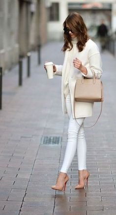15 Stunning Casual Work Outfits For Women - Eweddingmag.com Casual Work Outfits, Work Casual, Chic Outfits, Young Work Outfit, Simple Style, My Style, Pretty Designs, Winter Jackets Women, Office Fashion