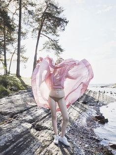 Julie Pike // Pudderprint (N) Bow Sneakers, Editorial Fashion, Photography, Image, Sea, Photograph, Fotografie, Photoshoot, The Ocean