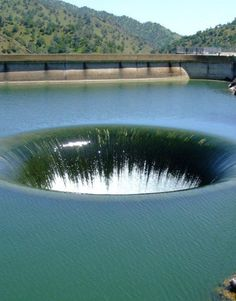 Only in America can you visit the world's largest drain hole. They say if you get sucked down it you end up in Australia...