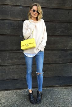 street-style-tricot-destroyed-jeans