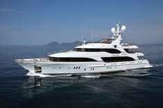 Told U So Motor Yacht - Benetti Vision Series designed by Molori Design Yacht Boat For Sale, Luxury Yachts For Sale, Boats For Sale, Monaco Yacht Show, Marine Engineering, Interior Design Awards, Private Yacht, Super Yachts, Speed Boats