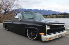 Blacked out square body