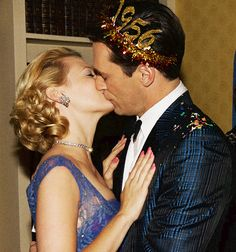 Mad Men - Betty and Don Draper kissing on NYE, 1956