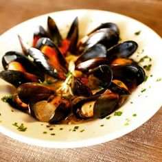 Happy friday! Tonight we serve our fabulous bistro menu! Come in and try our Roasted Red Pepper Mussles and our Manhattan Clam Chowder. Happy Hour from 3-7pm #GhinisFrenchCaffe #TucsonOriginalsRestaurants