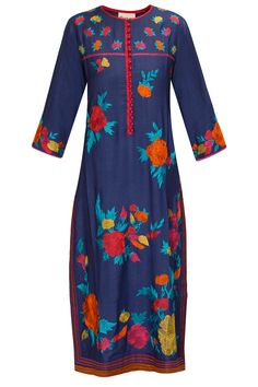 Blue long floral embroidered kurta by Krishna Mehta. Shop now: http://www.perniaspopupshop.com/designers/krishna-mehta #kurta #krishnamehta #shopnow #perniaspopupshop