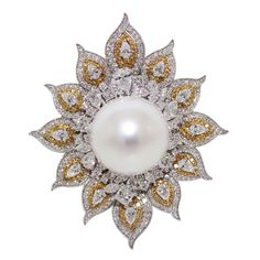 Mondial Excellent Pearl (MEP), with excellent luster certified,18mm size, with yellow diamonds, by MONDIAL Jeweler