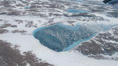 Groenlandia desde el aire en blanco, marrón y azul - Greenland in White, Brown, and Blue