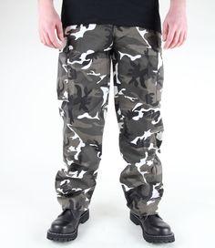 """klasické maskáčové kalhoty značky MIL-TEC.  Barva: """"světlý maskáč"""".  Složení: 65% polyester, 35% bavlna.     Vybavení:  dvě přední volně přístupné kapsy  dvě zadní kapsy  66216..."""