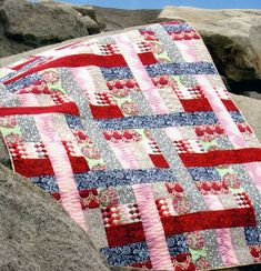 Sewing Block Quilts Come What May quilt sewing pattern from Jaybird Quilts Jaybird Quilts, Strip Quilts, Easy Quilts, Quilt Blocks, Beginner Quilt Patterns, Sewing Patterns Free, Sewing Ideas, Sewing Projects, Quilt Storage