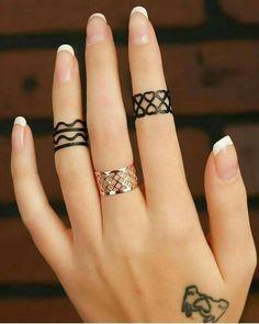 Ring Mehndi Design, Mehndi Designs For Beginners, Unique Mehndi Designs, Mehndi Designs For Fingers, Latest Mehndi Designs, Mehndi Designs For Hands, Jagua Henna, Finger Henna Designs, Henna Tattoo Designs Simple