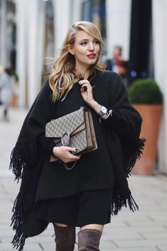 ohhcouture.com | Streetstyle - fringe poncho from closed, over the knee boots @stuartweitzmann, silk dress, black sweater and my dionysus bag @gucci | #ohhcouture #LeonieHanne