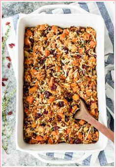 Hubby didnt like. An easy and healthy chicken dinner: Chicken and Wild Rice Casserole with Butternut Squash and Cranberries. Crowd pleasing and gluten free! Chicken Wild Rice Casserole, Chicken And Wild Rice, Casserole Dishes, Tortilla Casserole, Butternut Squash Casserole, Chicken And Butternut Squash, Wild Rice Recipes, Healthy Casserole Recipes, Meat Recipes