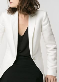 MINIMAL + CLASSIC: Linen-blend blazer