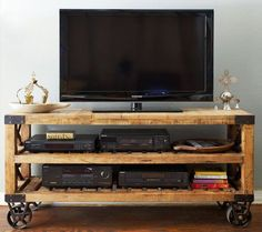 There are so many easy DIY ideas to complete your furniture range for your sweet home. To understand the easy DIY furniture ideas just look at this DIY pallet TV stand because a TV is a very dire need of every home Industrial Tv Stand, Industrial Furniture, Pallet Furniture, Industrial Chic, Industrial Design, Industrial Industry, Industrial Lamps, Furniture Vintage, Vintage Industrial
