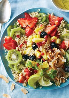 9 Fruit Salad Recipes Designed For Breakfast - Toasted Coconut Fruit Salad With Quinoa And Pineapple-Lime Dressing Recipe Easy Brunch Recipes, Breakfast Recipes, Breakfast Ideas, Brunch Ideas, Breakfast Time, Healthy Snacks, Healthy Eating, Healthy Recipes, Sport Food