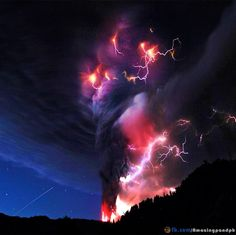 Volcano lightning - ( - High Quality and Resolution . All Nature, Science And Nature, Amazing Nature, Volcano Lightning, Thunder And Lightning, Lightning Storms, Thunder Clouds, Storm Clouds, Wild Weather
