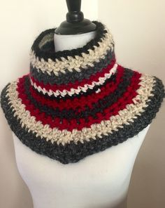 A Mexican blanket inspired crocheted neck warmer. Cowl crocheted in red/gray tones. by ELIKASDESIGNS on Etsy