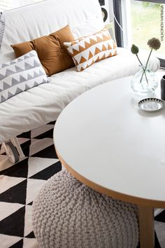 Kodin1-yhteistyö Valkoinen Harmaja -blogin kanssa. Rugs, My Style, Home Decor, Farmhouse Rugs, Decoration Home, Room Decor, Home Interior Design, Rug, Home Decoration