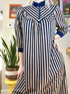Vintage striped high neck dress button up Mandarin style collar gold + navy stripes retro Stylish Dresses For Girls, Dress Clothes For Women, Simple Dresses, Casual Dresses, Pakistani Fashion Casual, Pakistani Dress Design, Muslim Fashion, Simple Kurti Designs, Abaya Designs