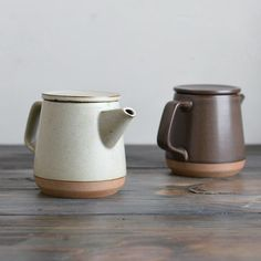 Find teaware at KINTO. Enjoy our great selection of teapots, mugs, bowls, cups and more! Shop our stylish and modern teaware collections, to make your teatime more happier. Pottery Teapots, Ceramic Teapots, Ceramic Clay, Porcelain Dinnerware, Fine Porcelain, Porcelain Ceramics, Painted Porcelain, China Dinnerware, Glazes For Pottery