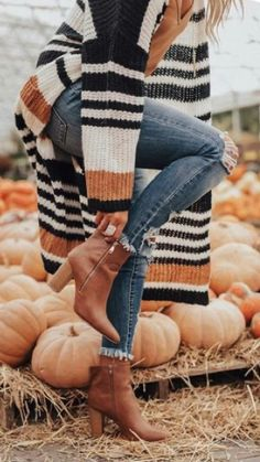 Fall Photo Outfits, Comfy Fall Outfits, Chic Outfits, Winter Outfits, Fashion Outfits, Bachelorette Outfits, Fall Picnic, Pose, Autumn Cozy