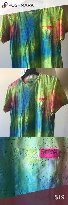 MOWGLI SURF TIE DYE TEE Previously worn, but excellent condition. 100% Cotton. Will be ironed before delivery :) Mowgli Surf Shirts Tees - Short Sleeve