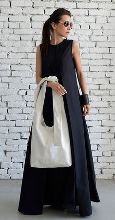 OFF White Shoulder Bag/Extravagant Maxi Bag/Cross Body Tote/Genuine leather White Bag/Modern Casual Maxi Clutch/Big Everyday Handbag/Cas Bolso de hombro blanco / bolso maxi extravagante / cuerpo cruzado Everyday Look, Everyday Outfits, Look Fashion, Daily Fashion, White Shoulder Bags, White Shoulders, Fabric Bags, Handmade Bags, Handmade Leather