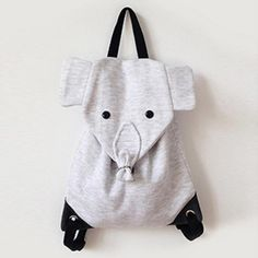 Oh wow! Sewing instructions for a children& elephant backpack, . Sewing Projects For Kids, Sewing For Kids, Diy For Kids, Gifts For Kids, Sewing Crafts, Fabric Purses, Fabric Bags, Animal Bag, Baby Supplies